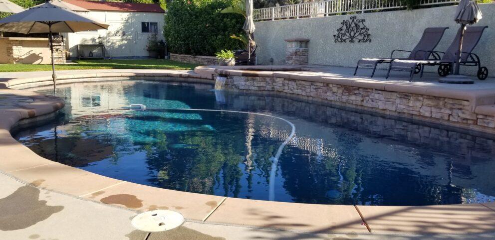 Čištění bazénu pomocí chemie